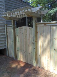 Capped Wood Fence - Loganville, GA
