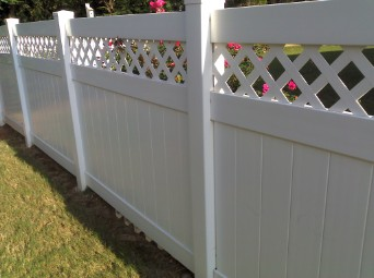 Vinyl Lattice top fence